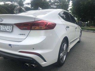 Cần bán Hyundai Elantra sản xuất năm 2018, nhập khẩu còn mới