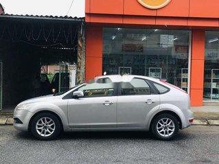 Cần bán xe Ford Focus sản xuất 2010, màu bạc còn mới