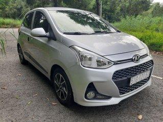 Bán ô tô Hyundai Grand i10 đời 2017, màu bạc còn mới