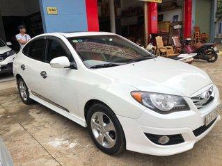 Bán Hyundai Avante đời 2012, màu trắng còn mới, giá chỉ 359 triệu