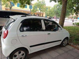 Cần bán Chevrolet Spark sản xuất 2009, màu trắng còn mới