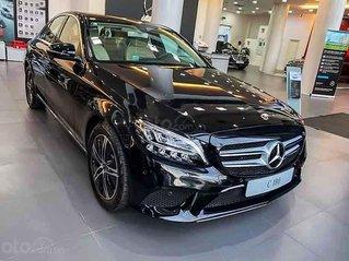 Bán ô tô Mercedes C180 sản xuất 2020, màu trắng