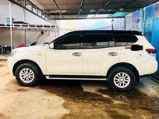 Bán Nissan Terra đời 2019, màu trắng, nhập khẩu nguyên chiếc số sàn giá cạnh tranh