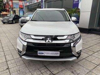 Cần bán lại xe Mitsubishi Outlander sản xuất năm 2019 còn mới, giá tốt