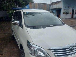 Cần bán xe Toyota Innova sản xuất 2013 còn mới, giá tốt