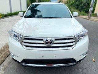 Cần bán xe Toyota Highlander sản xuất năm 2011, nhập khẩu nguyên chiếc, 900 triệu