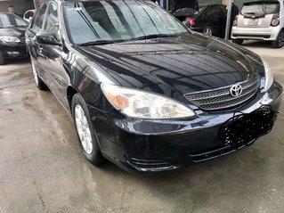 Cần bán Toyota Camry sản xuất 2004, nhập khẩu, 300 triệu