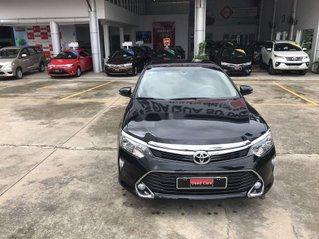 Cần bán Toyota Camry 2.0E sản xuất năm 2018, số tự động
