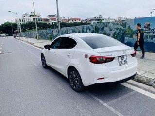Bán xe Mazda 2 đời 2018, màu trắng như mới