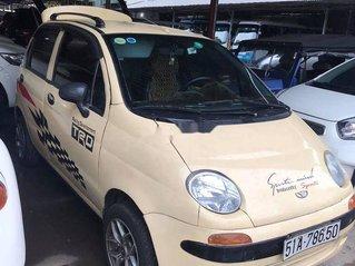 Cần bán Daewoo Matiz năm sản xuất 2000, màu vàng, nhập khẩu