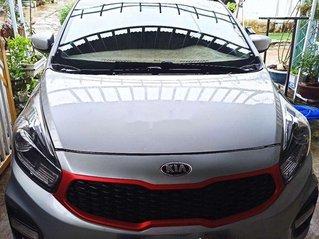 Cần bán gấp Kia Rondo sản xuất 2017, xe chính chủ