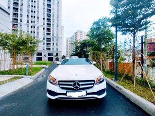Bán Mercedes E250 sản xuất 2018, model 2019, xe như mới
