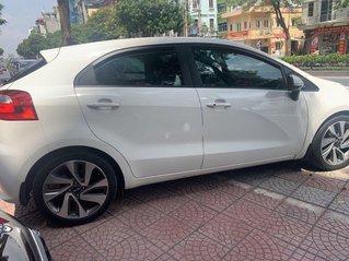 Cần bán xe Kia Rio năm 2015, màu trắng, xe nhập