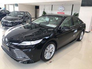 Toyota Camry full màu, ưu đãi lên đến 25 triêu, xe giao ngay