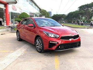 Kia Cerato 1.6 Luxury 2020 đỏ - 1 tháng cuối cùng để hưởng ưu đãi thuế trước bạ 50%, trả góp 85%, nhận xe chỉ với 150tr