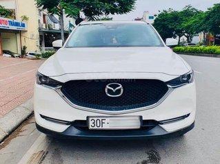 Bán gấp xe Mazda CX5 đời 2018, màu trắng