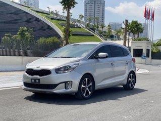 Cần bán xe Kia Rondo SX 2016, màu bạc, nội thất đen, máy dầu
