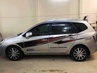 Bán ô tô Kia Carens sản xuất 2015, màu bạc