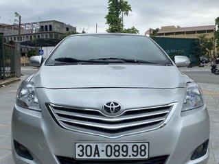 Chú Quang cần bán Vios 1.5E màu bạc, số sàn, đời 2010, biển Hà Nội