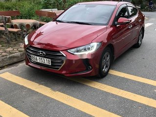 Cần bán lại xe Hyundai Elantra sản xuất 2018, màu đỏ như mới
