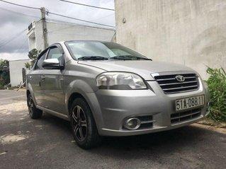 Bán xe Daewoo Gentra đời 2011, màu bạc số sàn