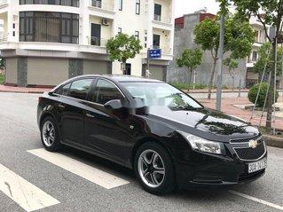 Cần bán gấp Chevrolet Cruze sản xuất 2010, màu đen, số sàn