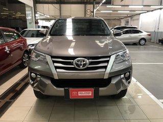 Bán xe Toyota Fortuner năm sản xuất 2019, màu xám số sàn