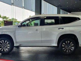 Cần bán xe Mitsubishi Pajero Sport năm 2020, màu trắng, xe nhập