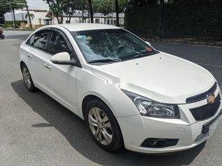 Cần bán xe Chevrolet Cruze sản xuất 2015, màu trắng, 390tr