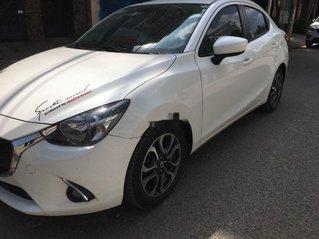 Chính chủ bán xe Mazda 2 năm sản xuất 2016, màu trắng, nhập khẩu số tự động