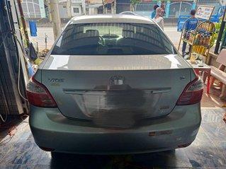 Bán Toyota Vios đời 2013, màu bạc