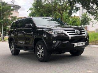 Bán xe Toyota Fortuner sản xuất 2019, màu đen