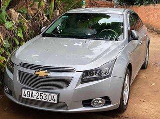 Cần bán Chevrolet Cruze năm sản xuất 2012, màu bạc, xe nhập, số sàn