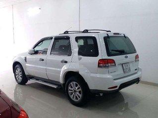 Cần bán xe Ford Escape sản xuất 2013, giá thấp, động cơ ổn định