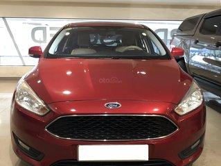 Ford Focus Trend 217 đỏ phong cách đầy mạnh mẽ