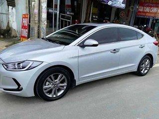 Cần bán lại xe Hyundai Elantra sản xuất 2018, màu bạc còn mới, 550tr