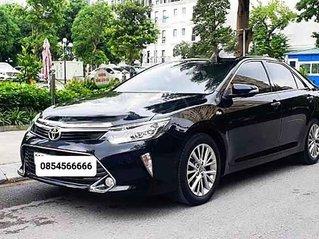 Cần bán Toyota Camry sản xuất năm 2018 còn mới