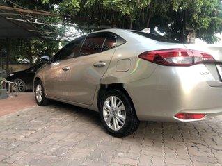 Bán Toyota Vios đời 2019, màu vàng cát, xe gia đình