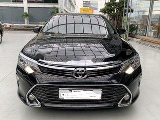 Cần bán lại xe Toyota Camry E sản xuất 2018, giá mềm, động cơ tốt