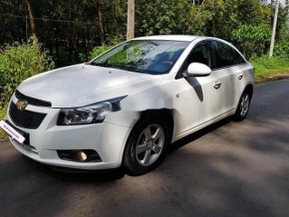 Bán xe Chevrolet Cruze năm 2014, giá thấp, động cơ hoạt động tốt