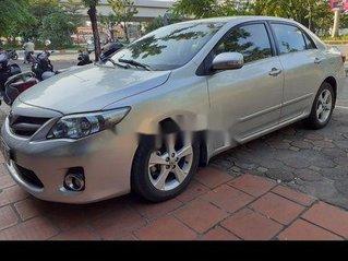 Bán Toyota Corolla Altis năm 2011, màu bạc xe gia đình, giá chỉ 465 triệu