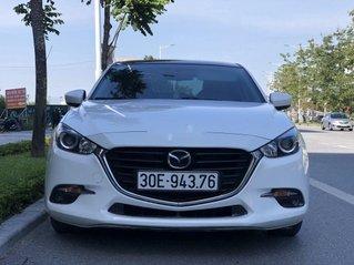 Bán Mazda 3 năm 2017, màu trắng, xe chính chủ