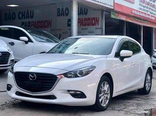 Cần bán xe Mazda 3 năm 2017, màu trắng