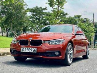 Cần bán BMW 320i sản xuất 2019, màu đỏ