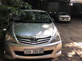 Cần bán xe Toyota Innova sản xuất 2009, màu bạc