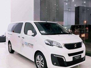 Bán ô tô Peugeot Traveller năm sản xuất 2019, màu trắng