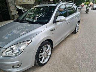 Cần bán Hyundai i30 năm sản xuất 2010, màu bạc, chính chủ