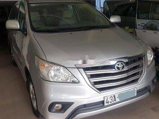 Cần bán xe Toyota Innova năm sản xuất 2014, màu bạc số sàn, giá 395tr