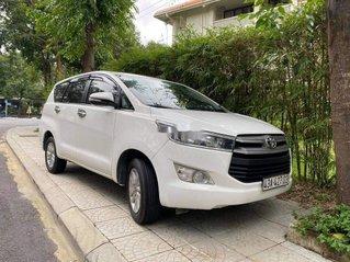 Gia đình bán xe Toyota Innova đời 2017, màu trắng, xe nhập
