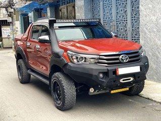 Bán Toyota Hilux sản xuất năm 2018, số tự động, máy dầu, màu cam